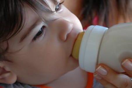 Susu Formula Berbakteri Membahayakan Balita