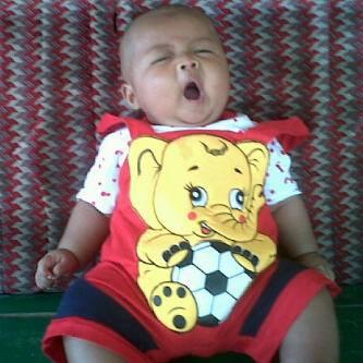 Cara Mengatasi Bayi Mengantuk Saat Menyusui